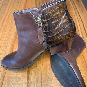 Franco Sarto brown ankle boots, side zipper 7.5